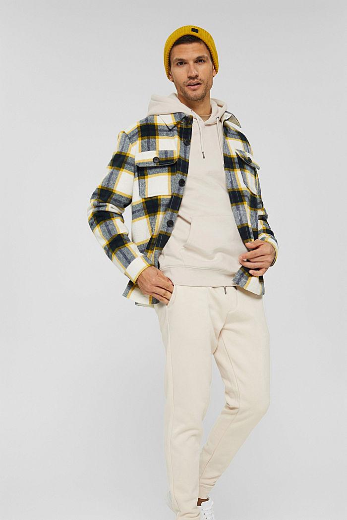 Reciclado: Sudadera con capucha y bordado