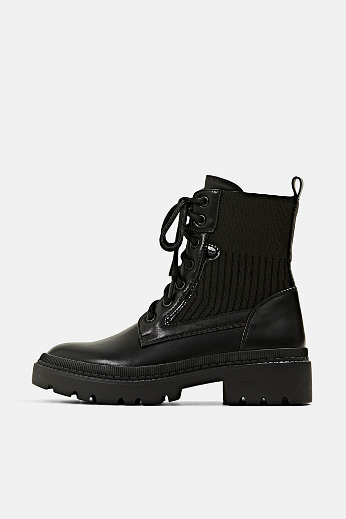 Lace-up boots made of a mix of materials