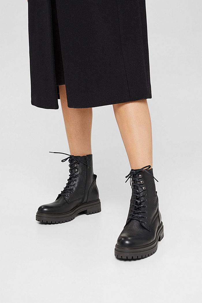 Af læder: snørestøvler med bred sål