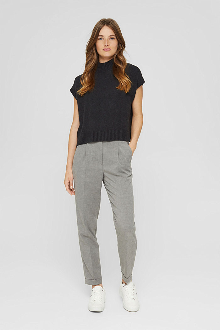 High-rise trousers with a soft texture and pressed pleats