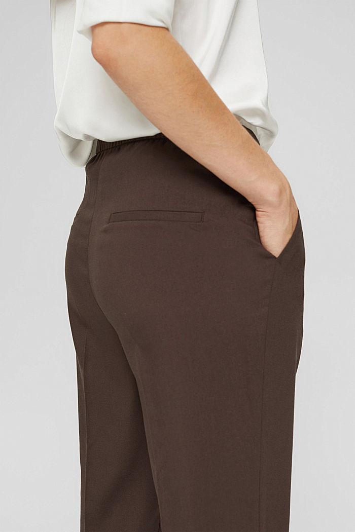 Pantalon taille haute doux au toucher, agrémenté de plis de repassage permanents, DARK BROWN, detail image number 2