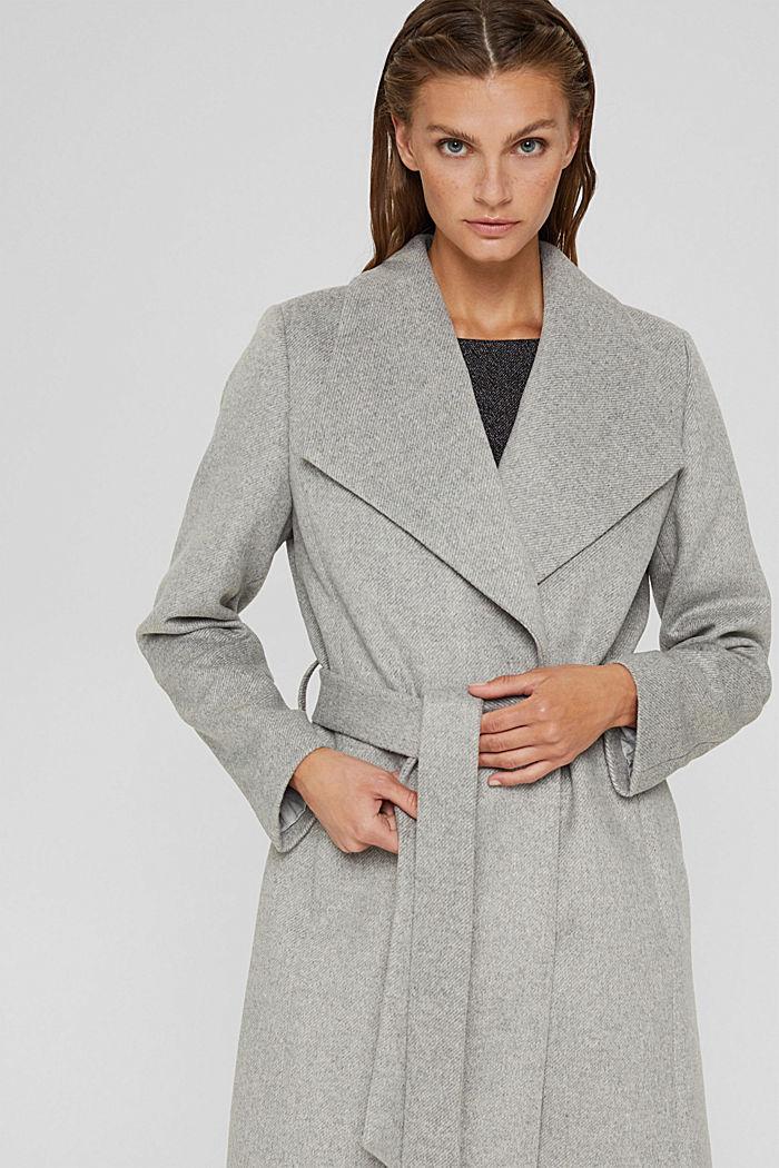 À teneur en laine: le manteau à grand col