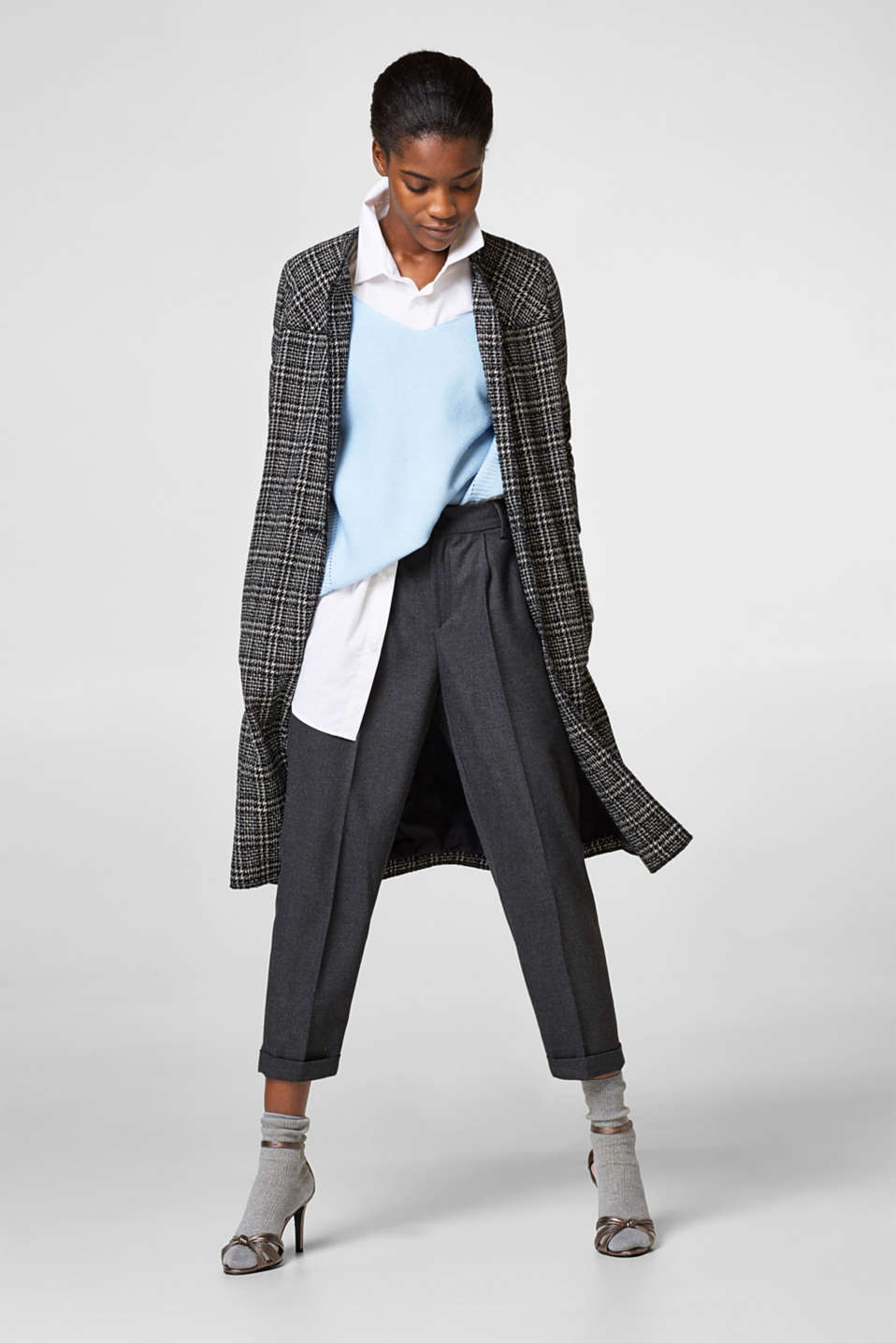 Cropped flannel trousers with stretch