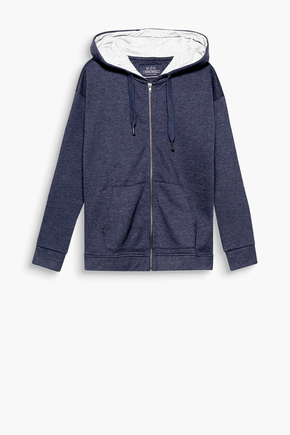 A comfort style for relaxed looks: soft sweatshirt jacket with a contrasting hood