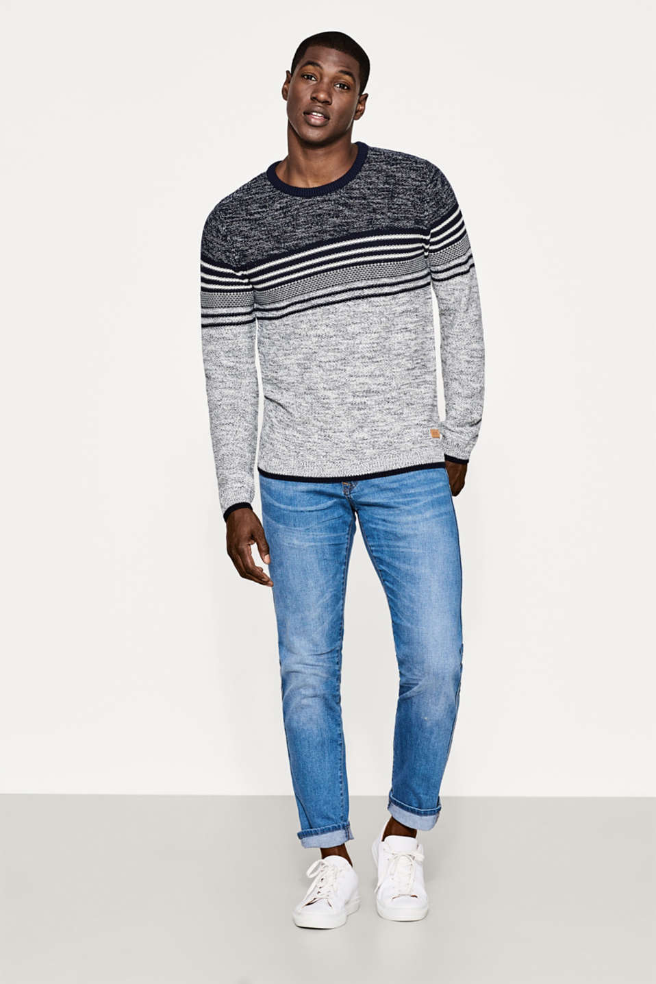 Two-tone jumper in textured yarn