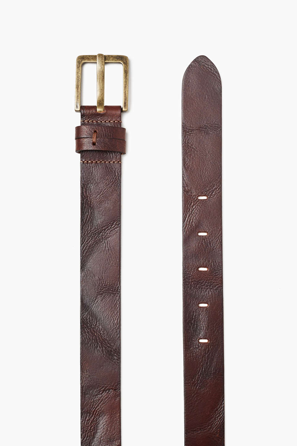 Buffalo leather with a grain in a vintage finish and with a distinctive metal buckle – the perfect belt for urban denim looks!