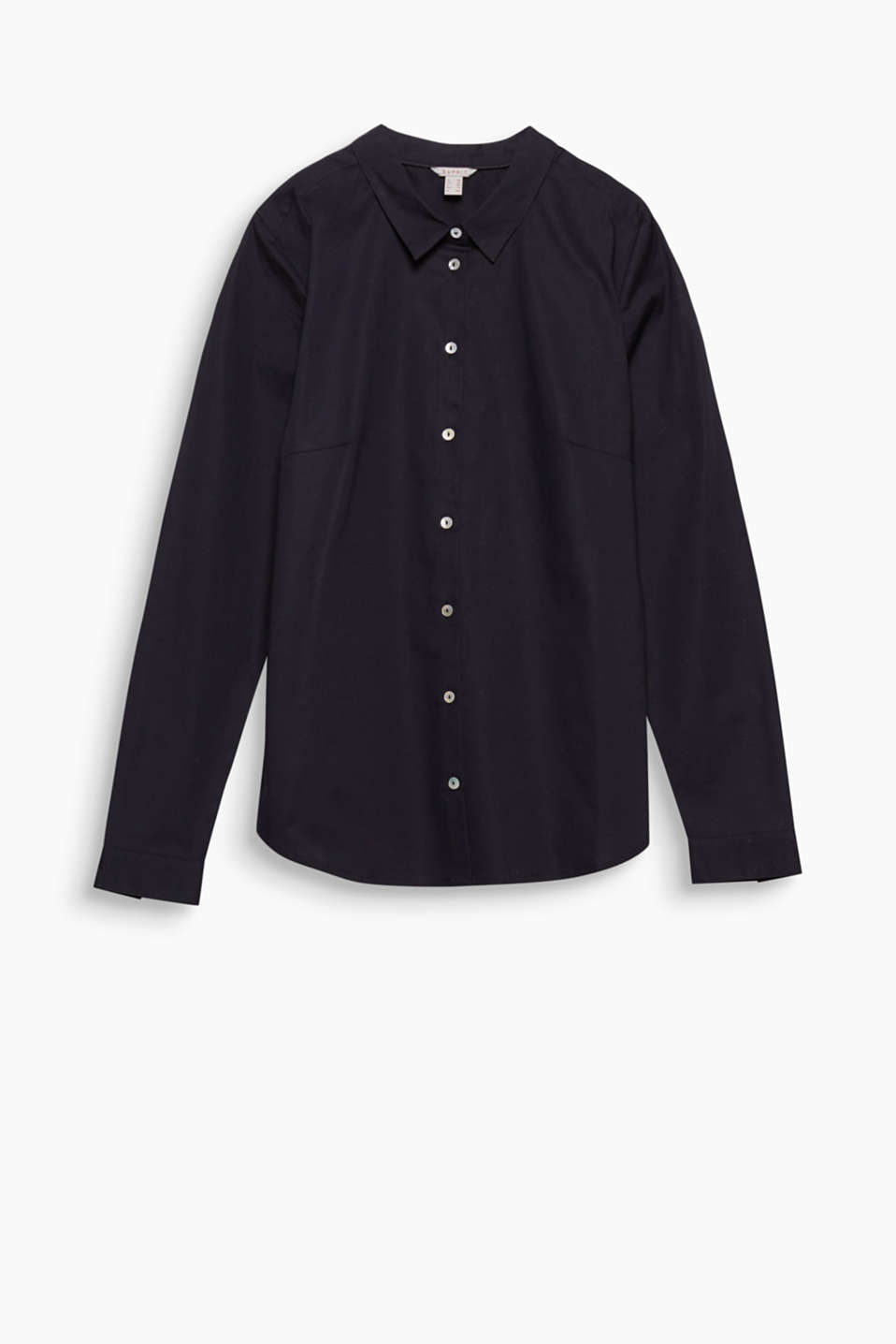 Goes with both business trousers and your favourite jeans: fitted shirt blouse in comfortable stretch cotton!