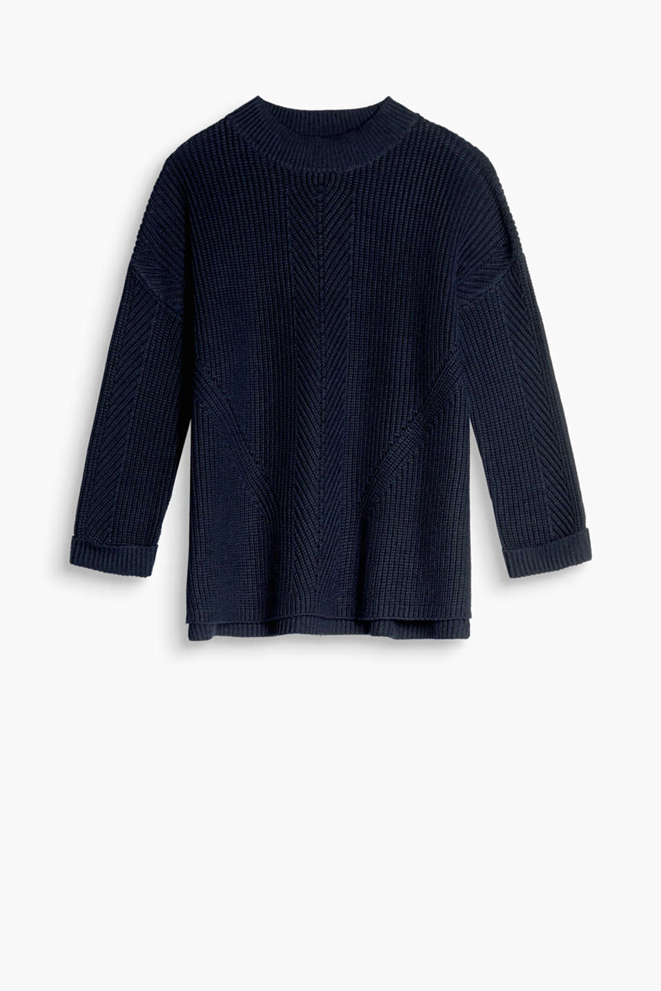 This sporty jumper with interwoven accents and three-quarter length sleeves show just how casual knits can be
