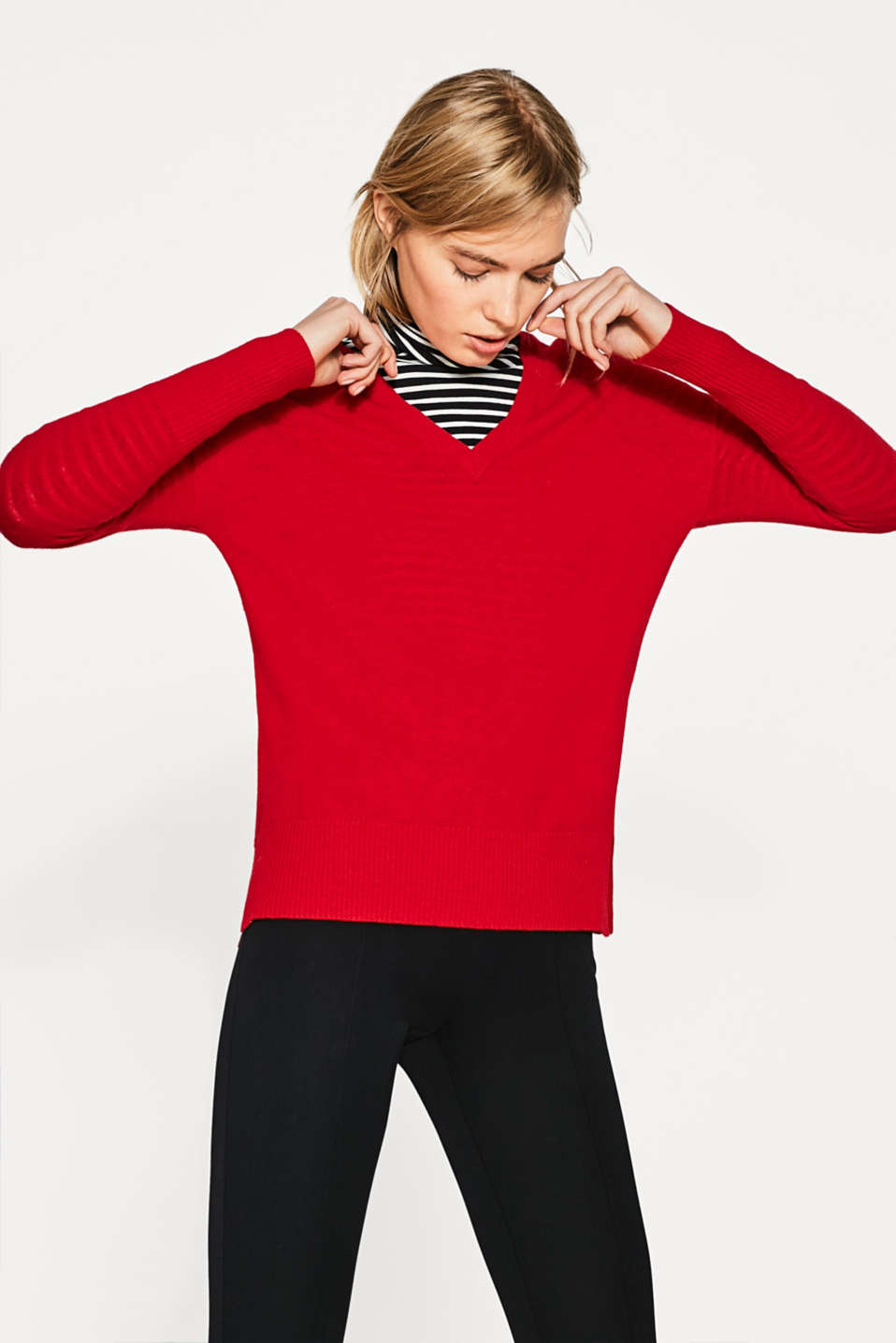 Esprit - Casual jumper with a double V-neckline
