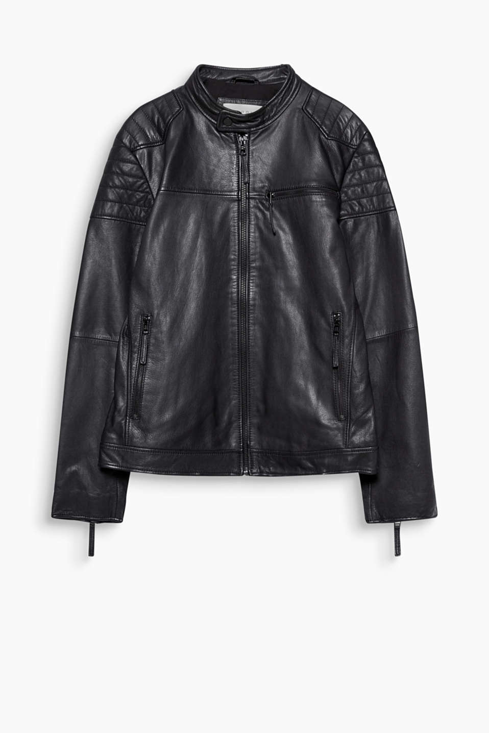A high-quality fashion essential! This classic leather biker jacket boasts tarnished metal details.