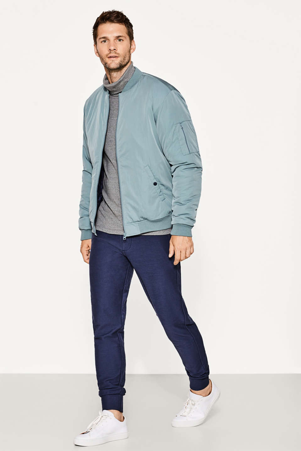 Urban bomber jacket with padding