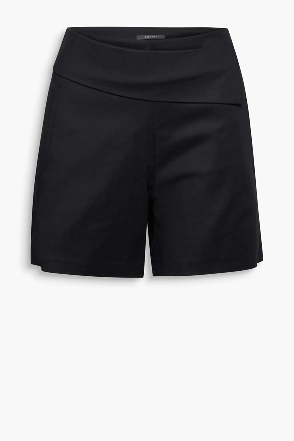 Asymmetric style is on its way: smart shorts in stretch cotton with a wide waistband trim in a slanted cut