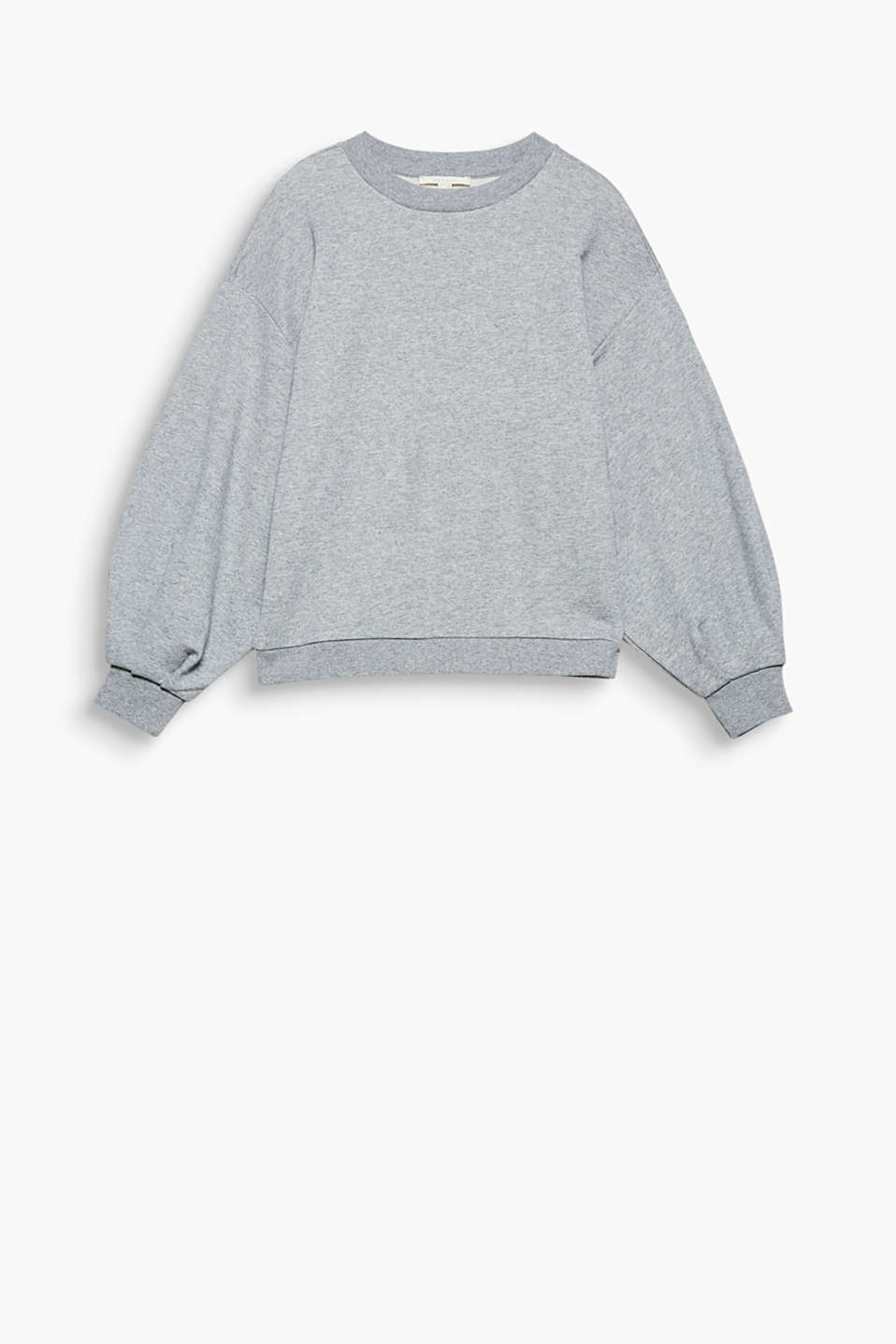 This boxy sweatshirt with extra-wide sleeves is a piece with that certain fashion je ne sais quoi.