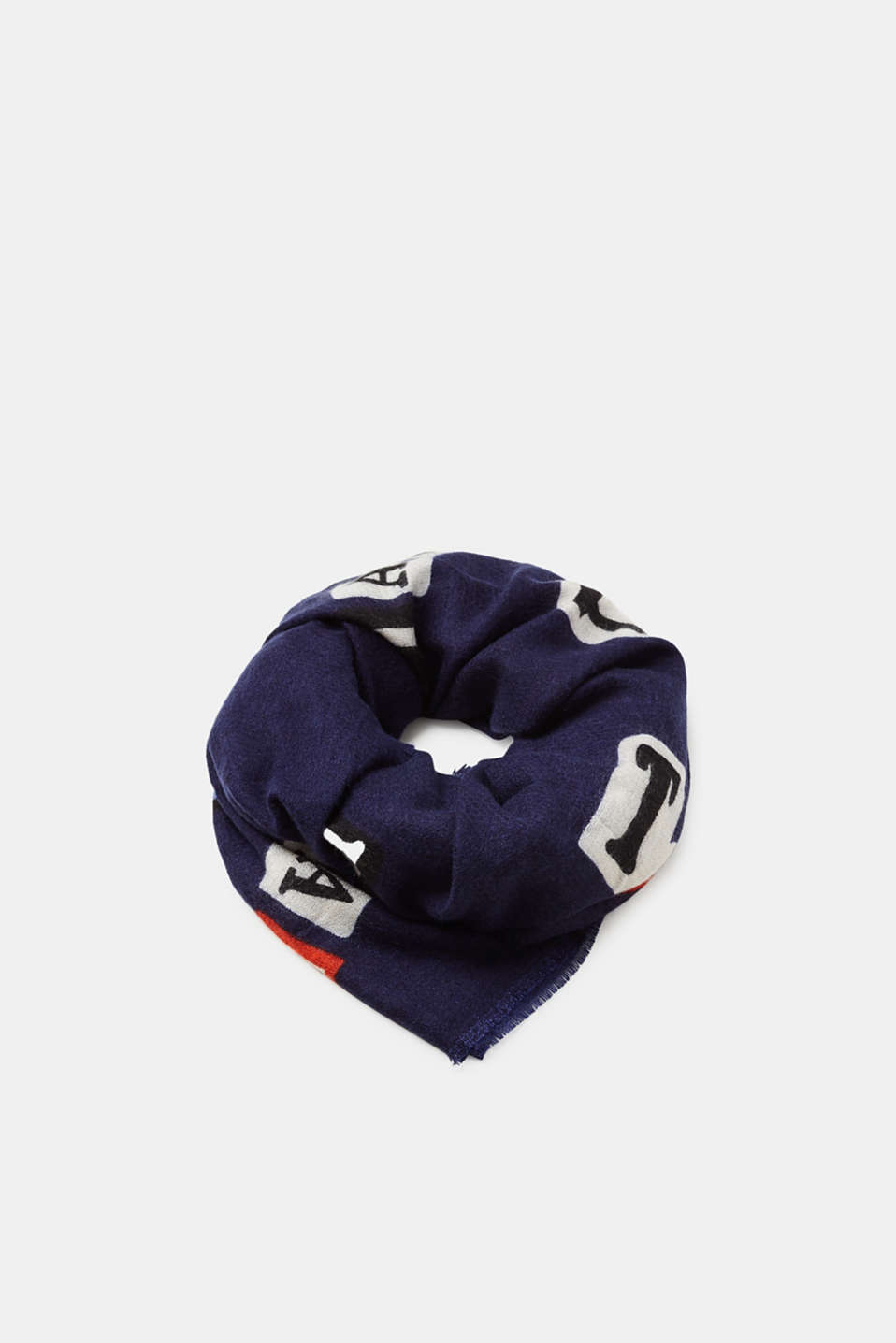 edc - Woven scarf with a statement