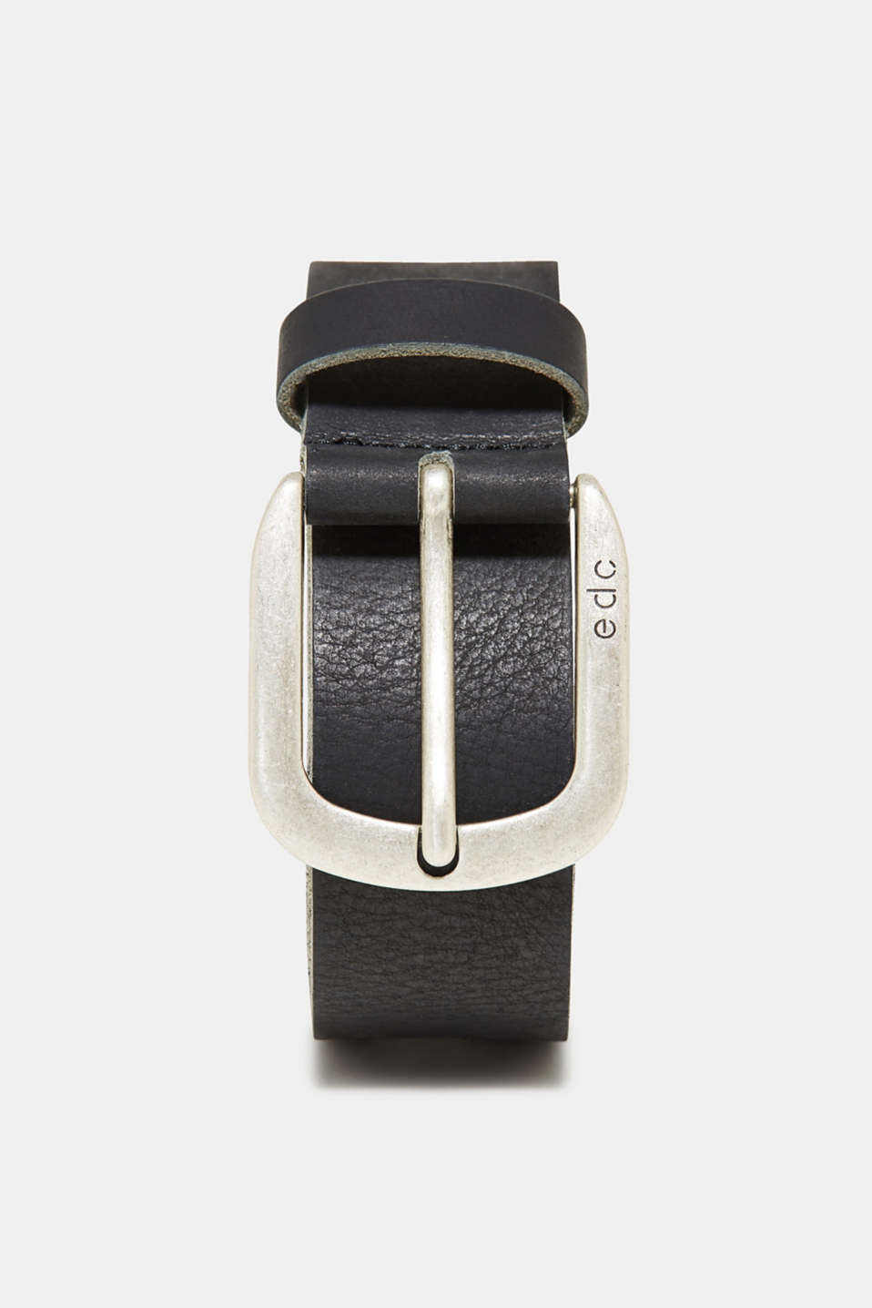 An classic with denim: wide buffalo leather belt with a distinctive metal buckle