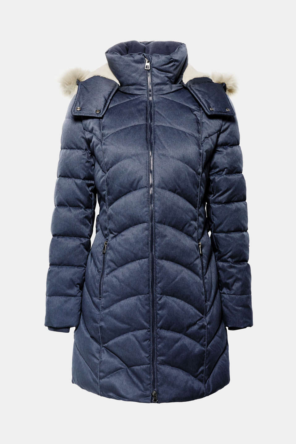 This quilted coat with a faux fur hood and RDS-certified down feather filling will keep you warm and also feels incredibly comfortable!