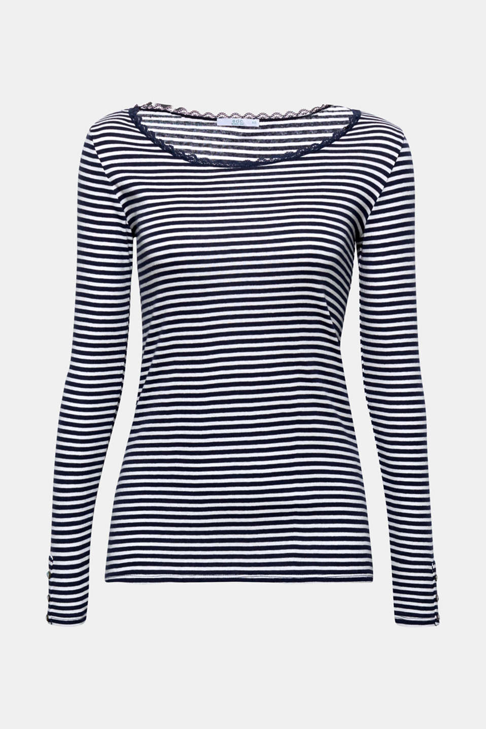 Lace meets stripes and makes this super soft long sleeve top a must-have piece, containing gently processed, high-quality organic cotton!