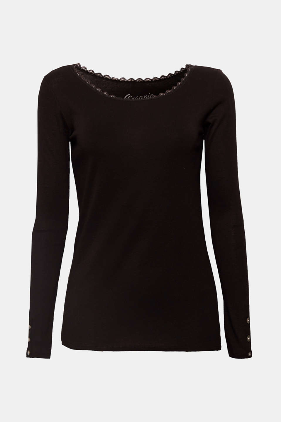 Your basic T-shirt with a little touch of romance! The delicate lace on the round neck gives this long sleeve top its slightly playful, feminine touch.