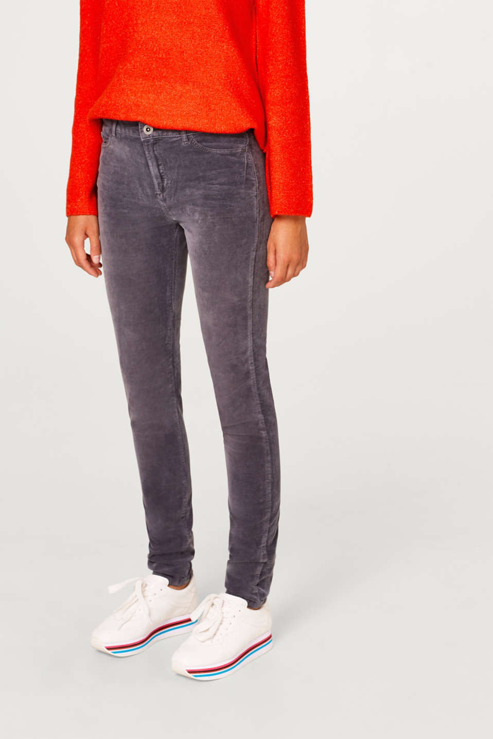 Esprit - Slim-fitting needlecord trousers with stretch