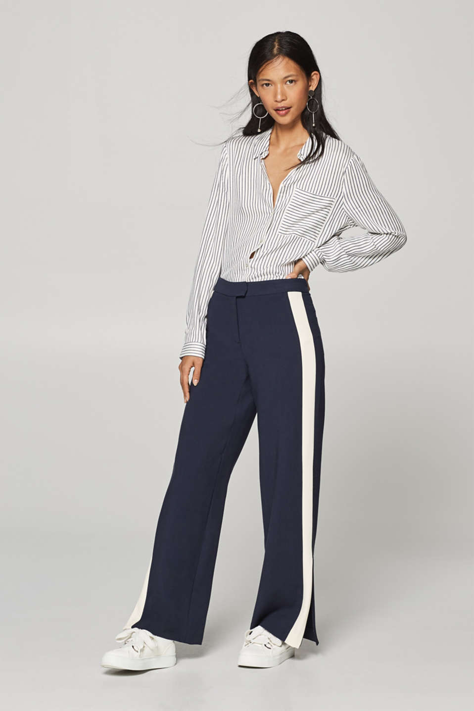 Esprit - Wide jersey trousers with tuxedo stripes