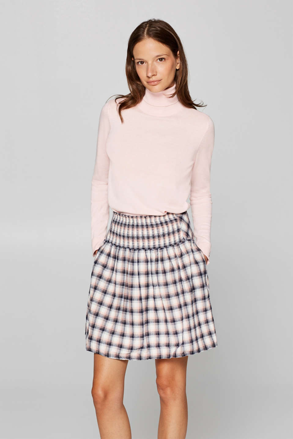 Esprit - Lightweight flannel skirt with a smocked effect