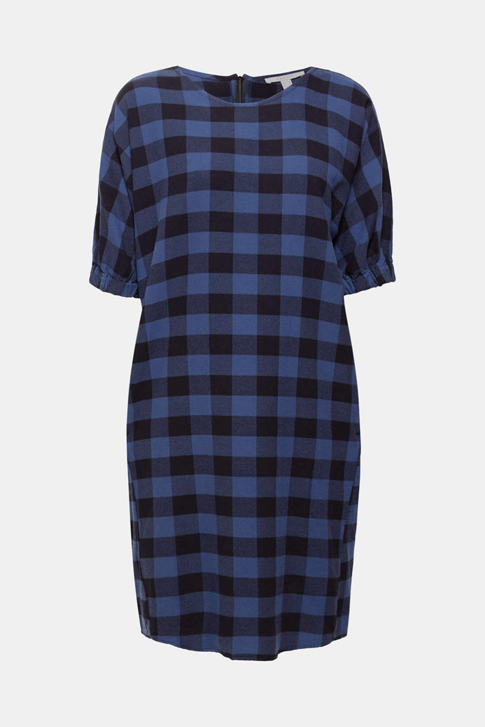 Casual cut, trendy checks: this cotton dress with a crêpe finish creates a comfortable and effortless look!