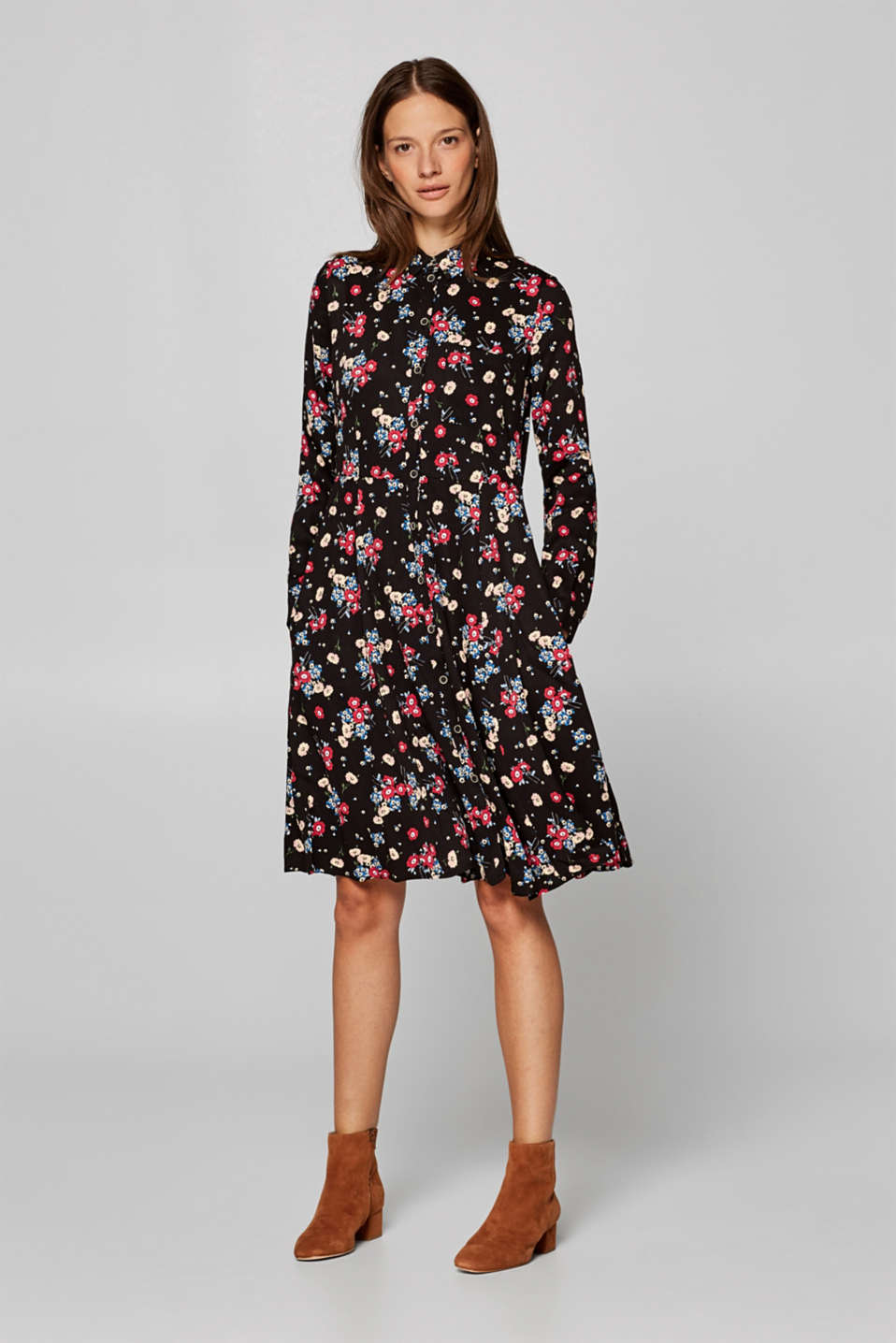 Esprit - Flared shirt dress with a floral print