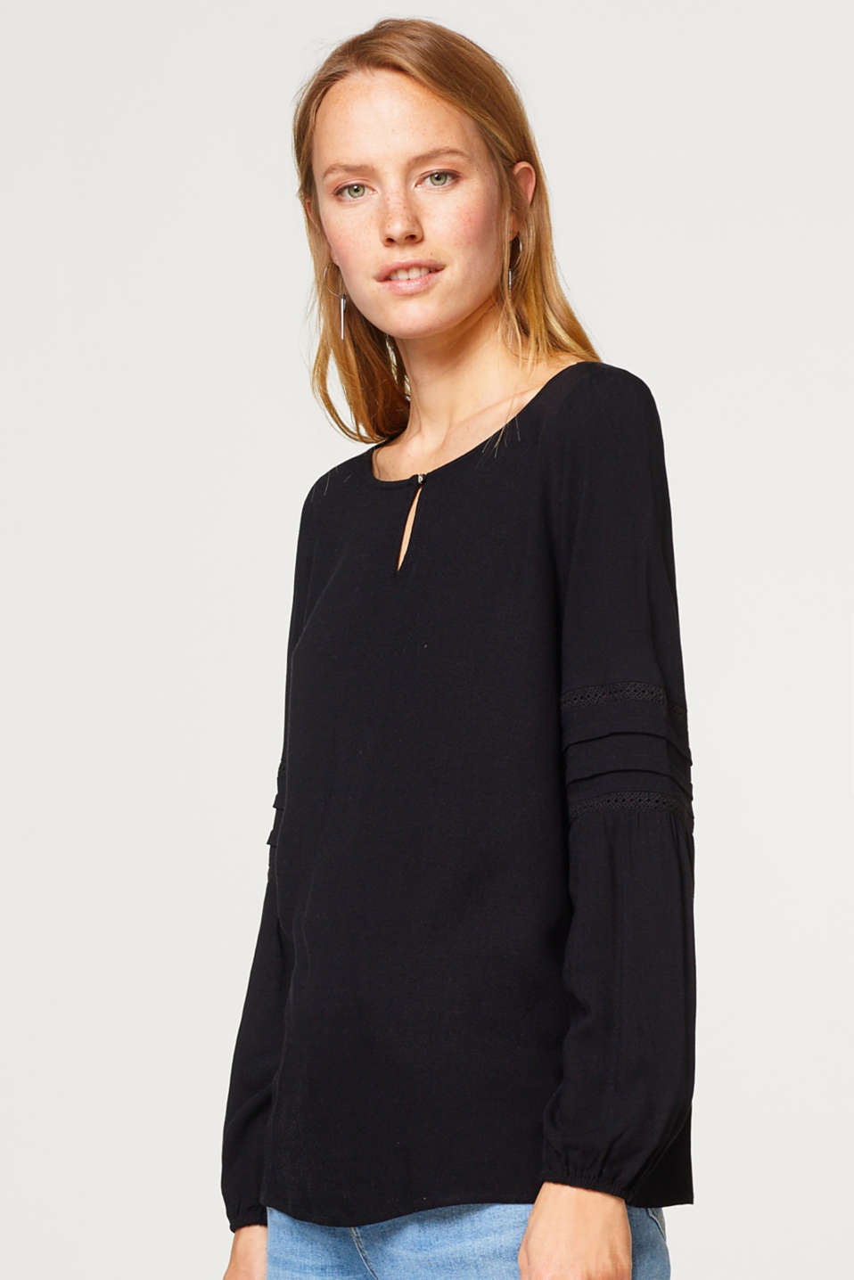 Esprit - Blouse with lace details
