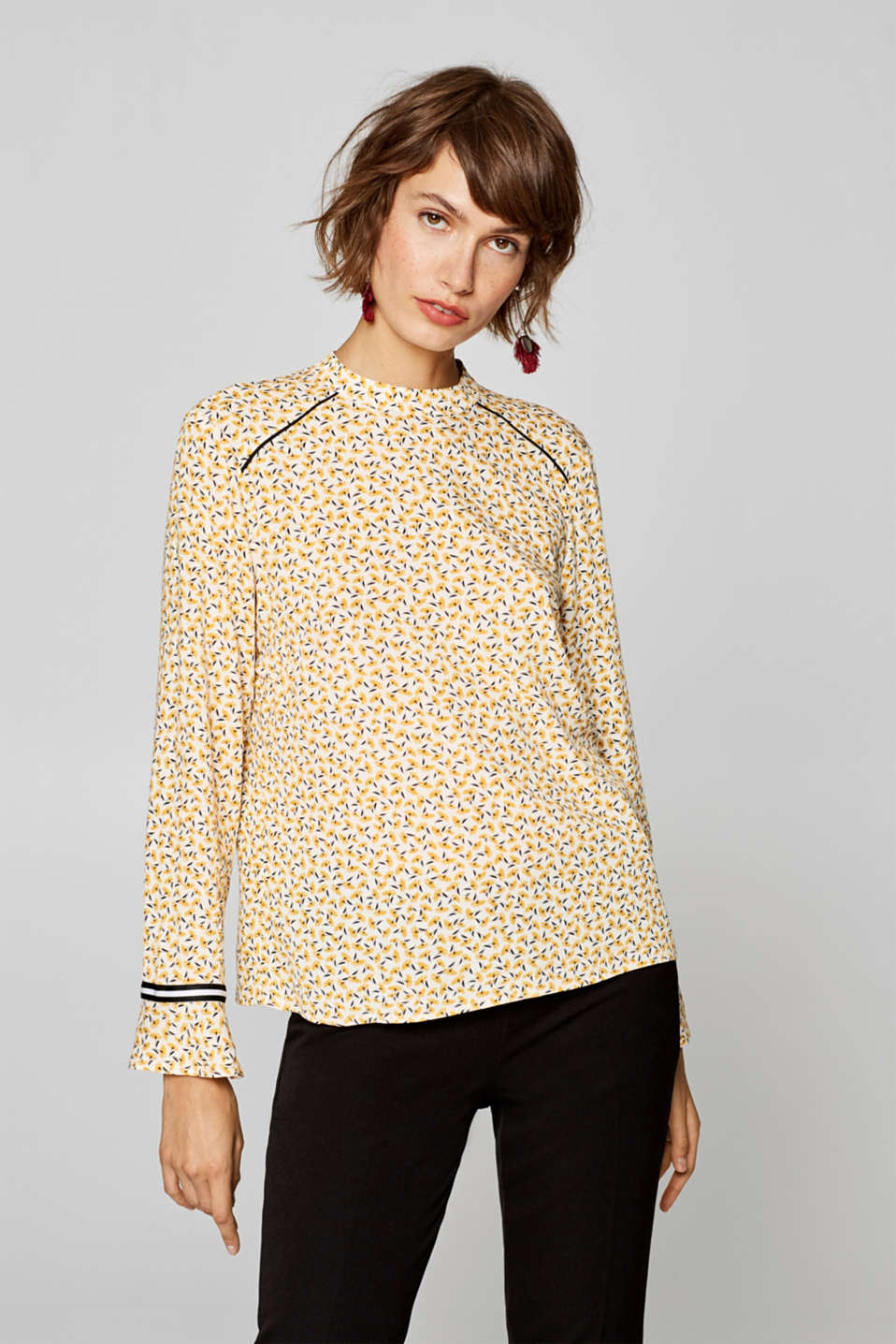 Esprit - Crêpe blouse with band collar and flounces