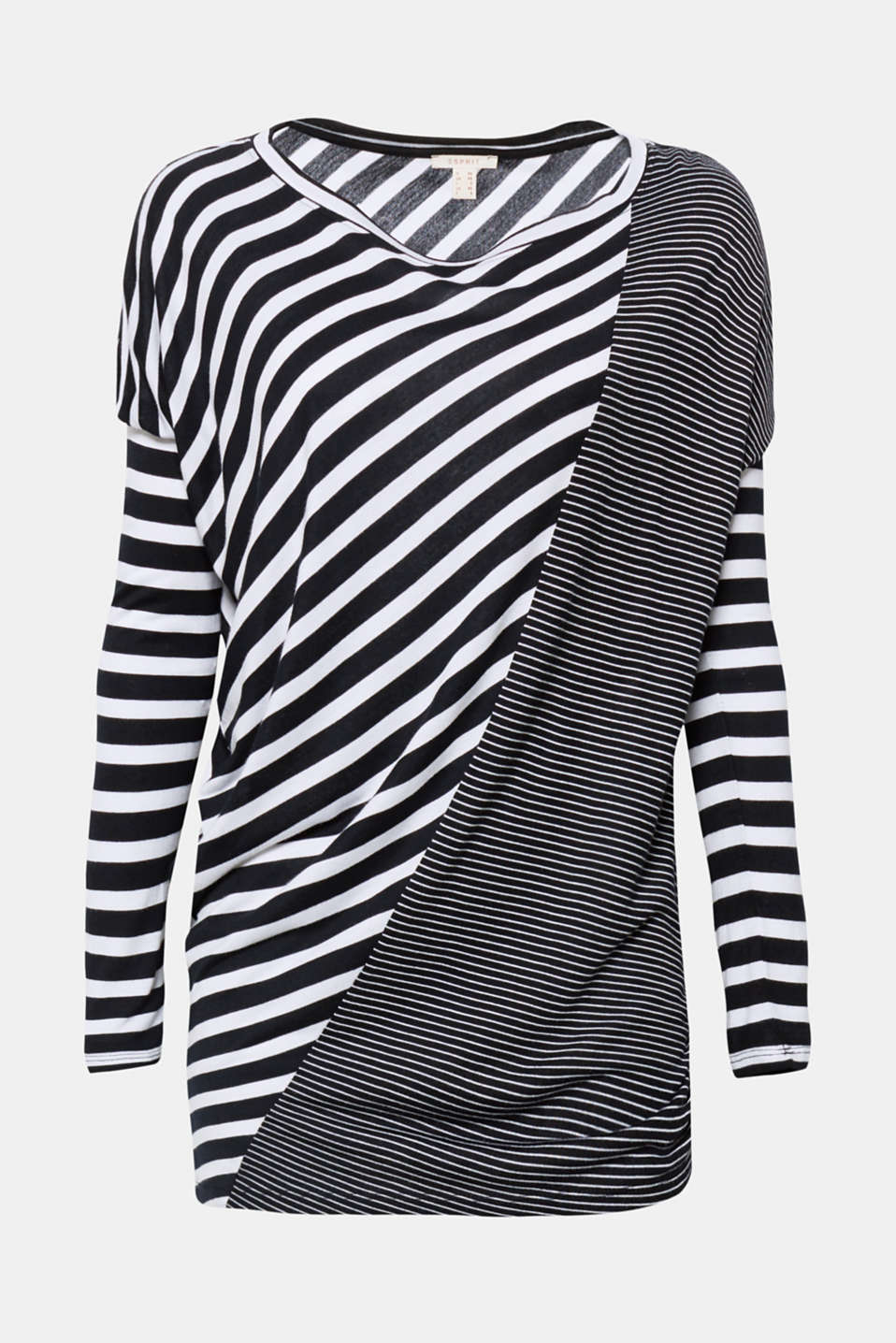 Vertical, diagonal or horizontal! This top provides a varied combination of stripes and always looks great thanks to its asymmetric hem.