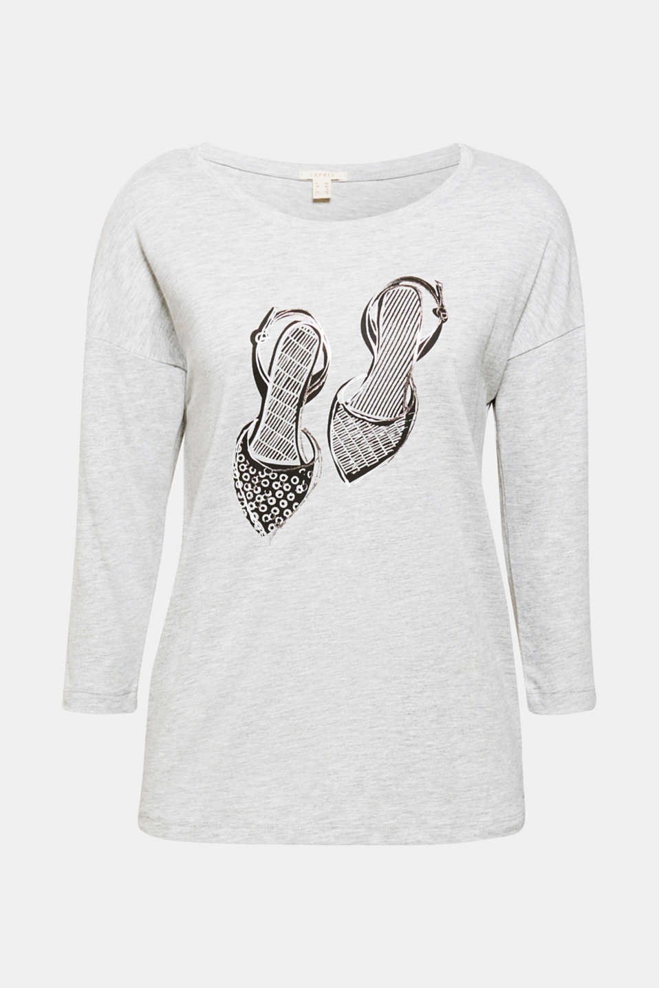 A new pair of high heels by any chance!? This sporty melange T-shirt comes with fine glitter prints. Best to grab it straight away!