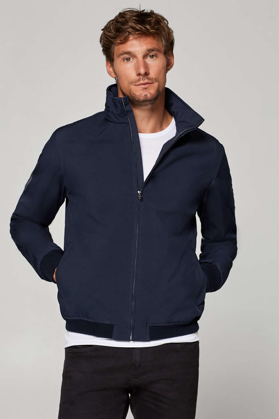 Esprit - Coated bomber jacket with an adjustable hood