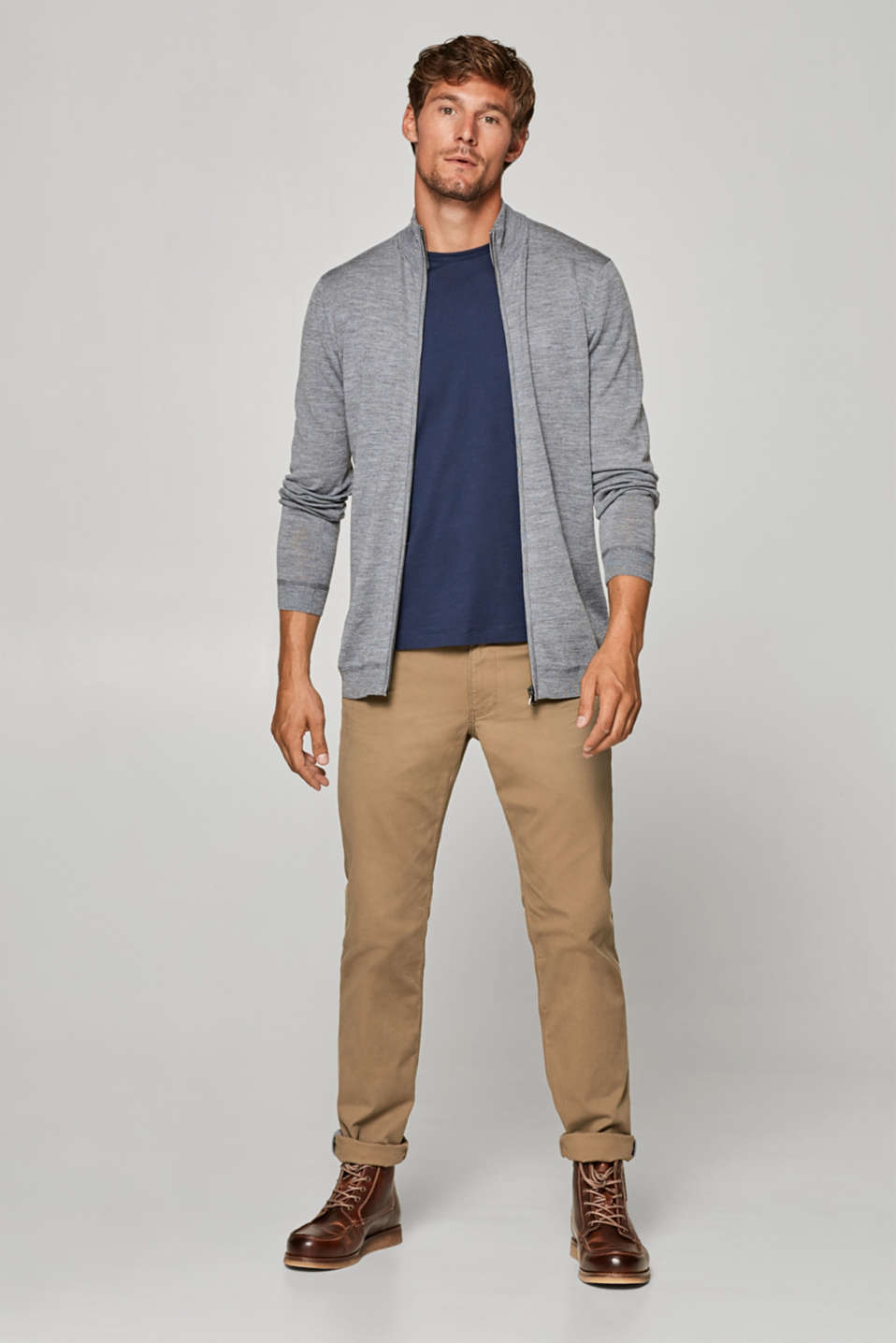 Made of 100% wool: zip-up cardigan