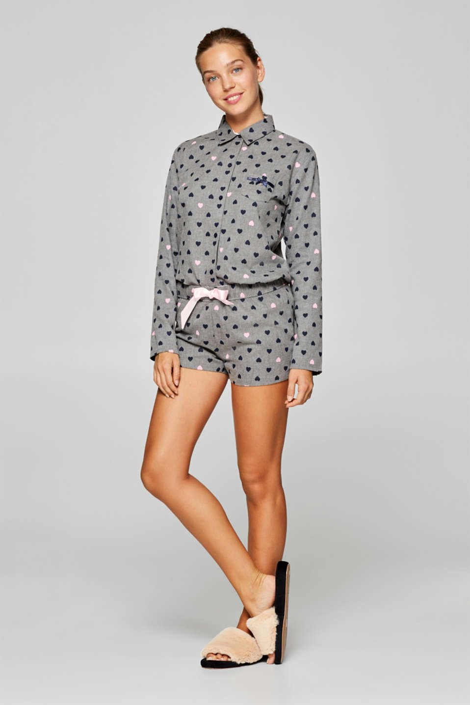 Esprit - Shorts with a little heart print