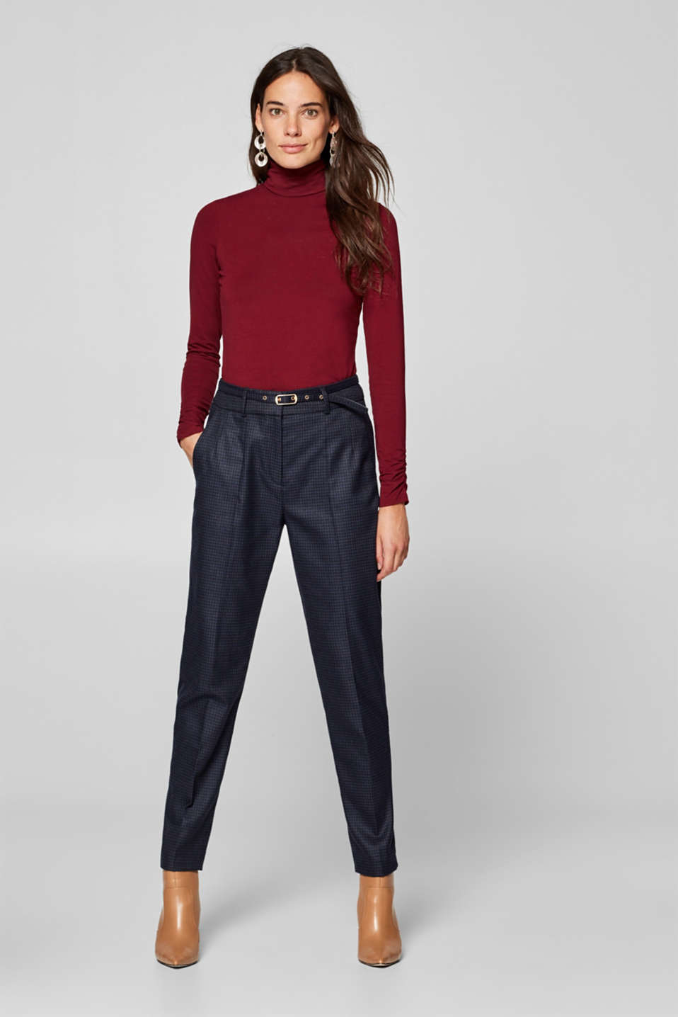 Esprit - Check stretch trousers with a narrow belt