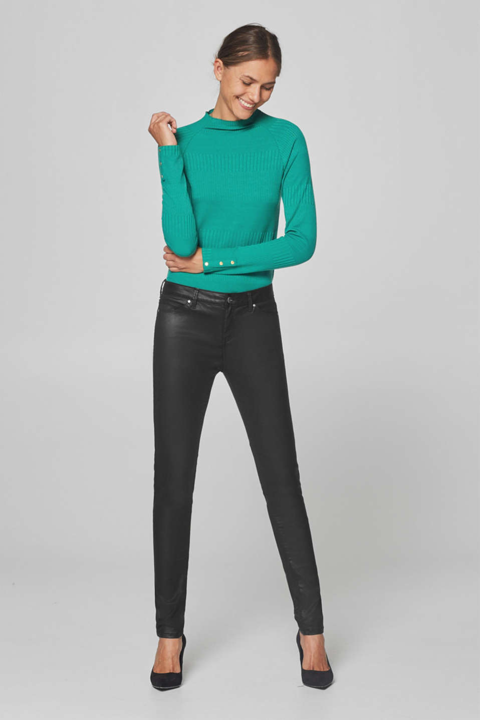 Esprit - Coated skinny trousers with stretch