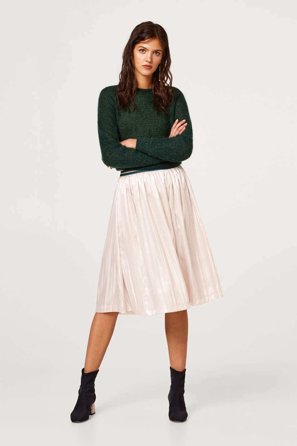 Esprit - Pleated skirt with a metallic coating and elasticated waistband