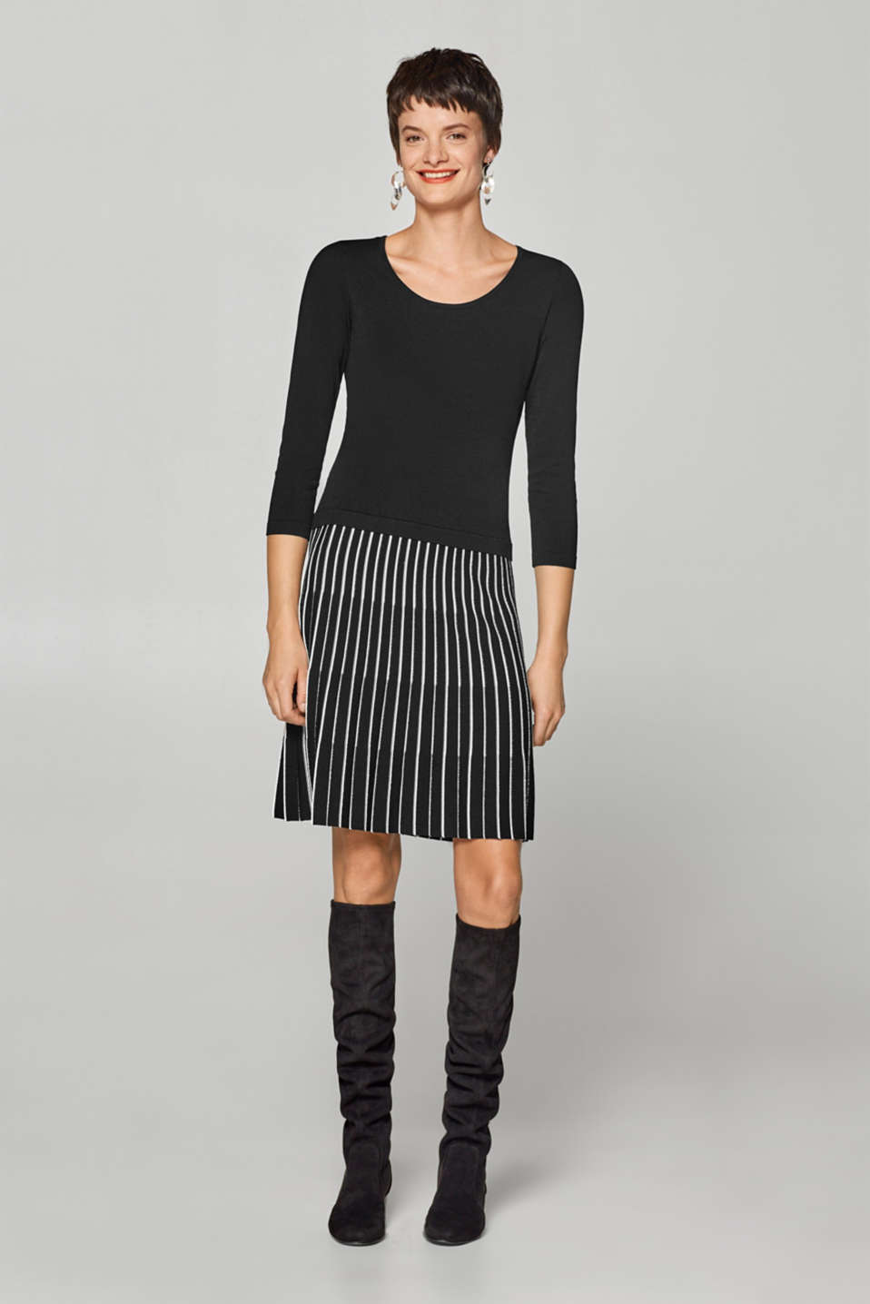 Esprit - Knitted dress with a pleated two-tone skirt