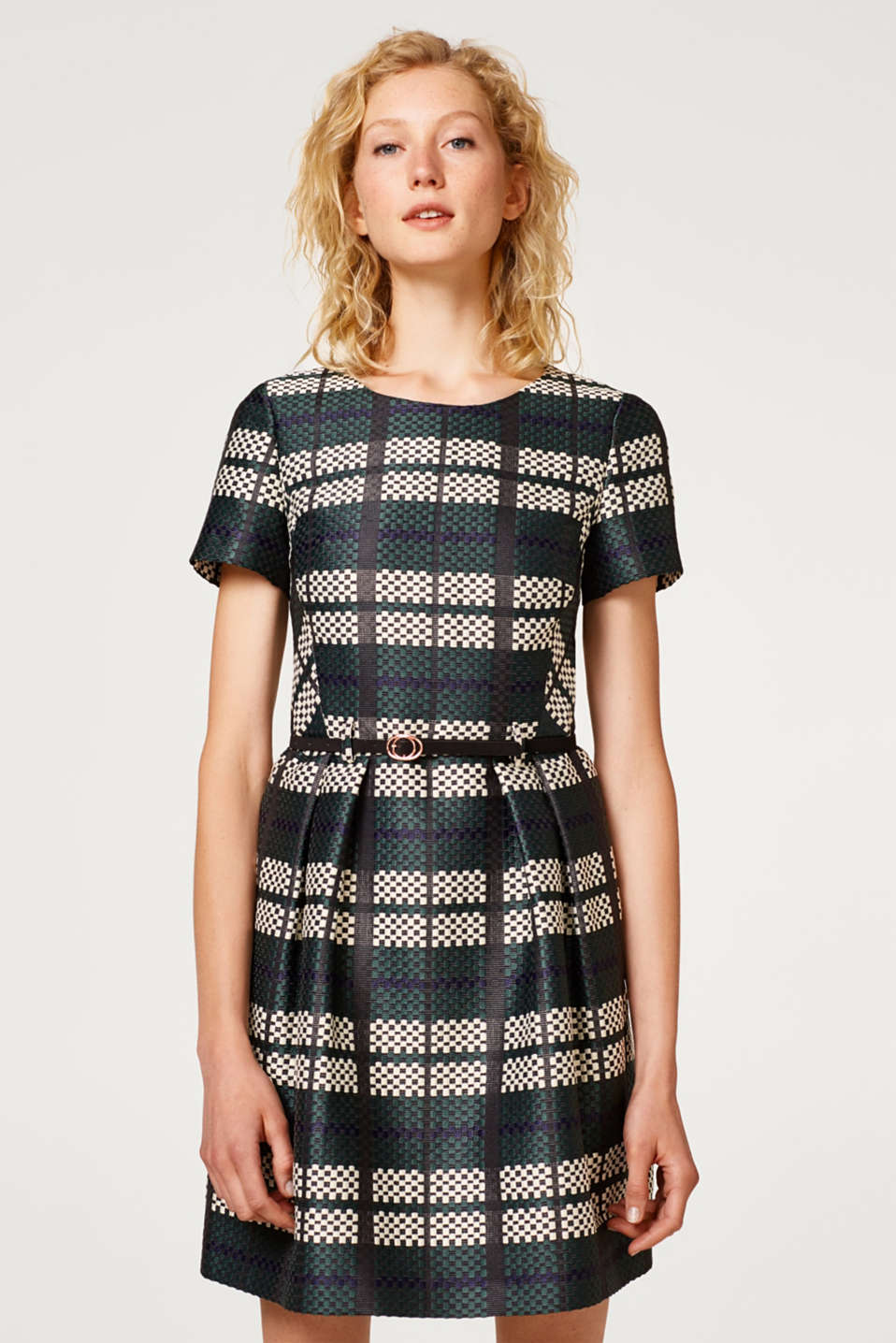 Esprit - Jacquard dress with a graphic pattern