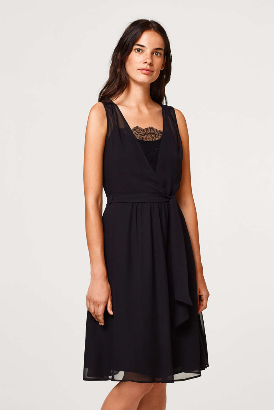 Esprit - Chiffon-Kleid mit Spitzen-Top im Online Shop kaufen