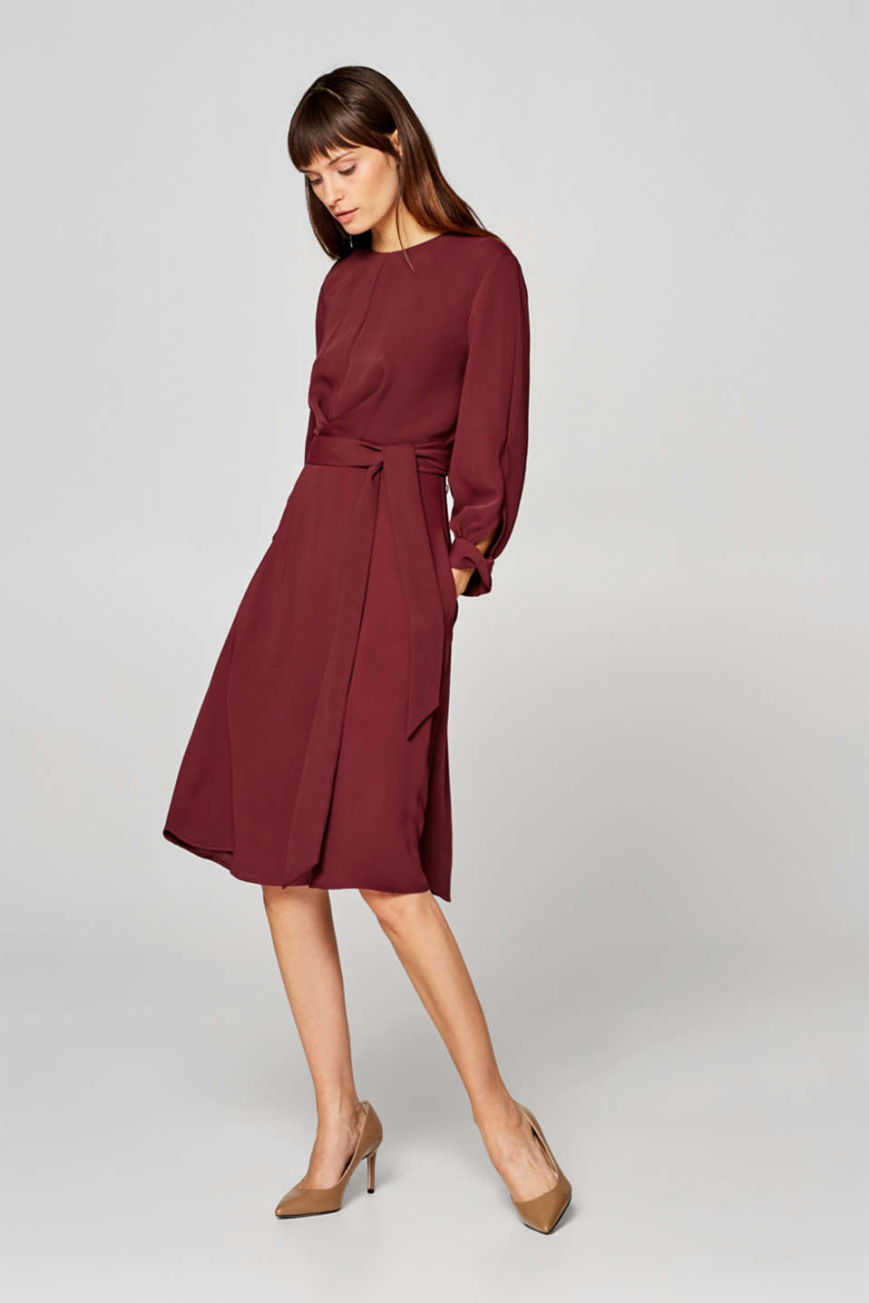 Esprit - Midi dress with a fixed tie-around belt