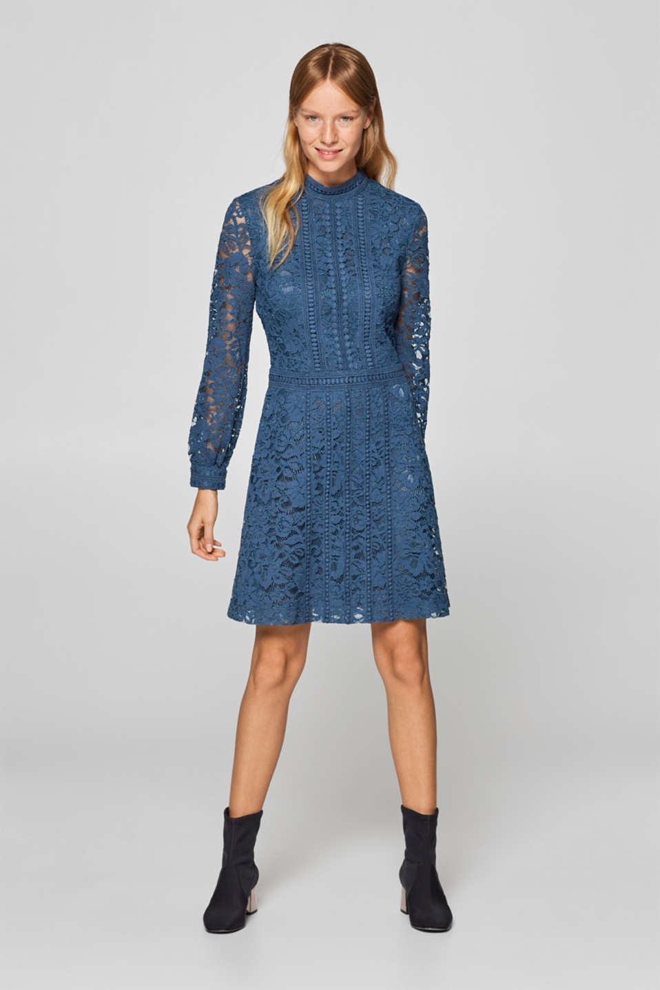 Esprit - Lace dress with a stand-up collar