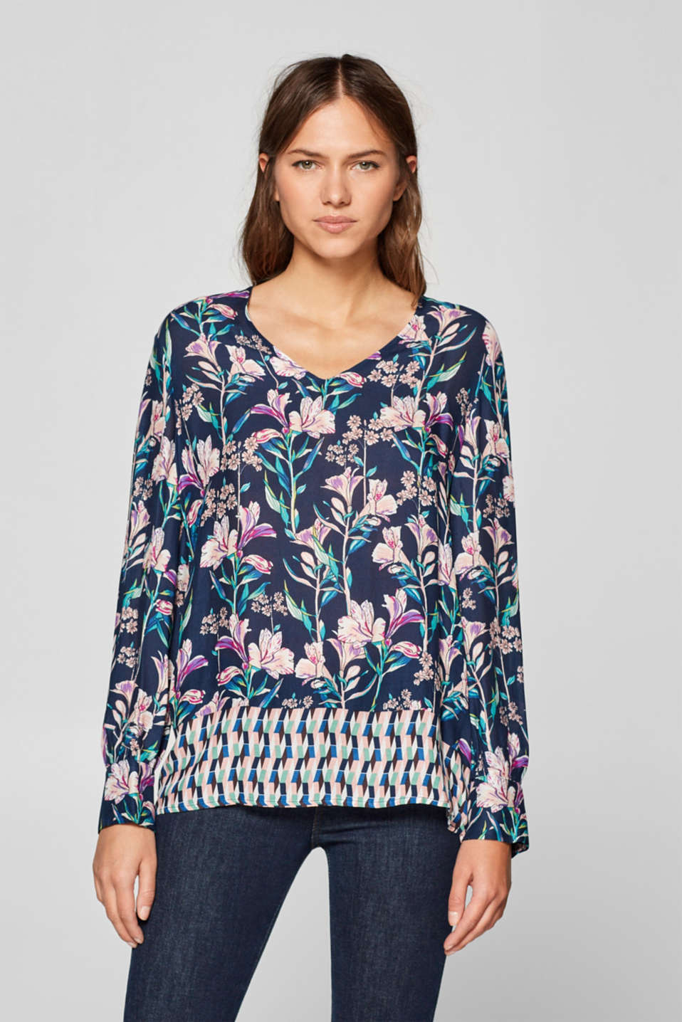 Esprit - Printed blouse with a contrasting hemline, 100% viscose
