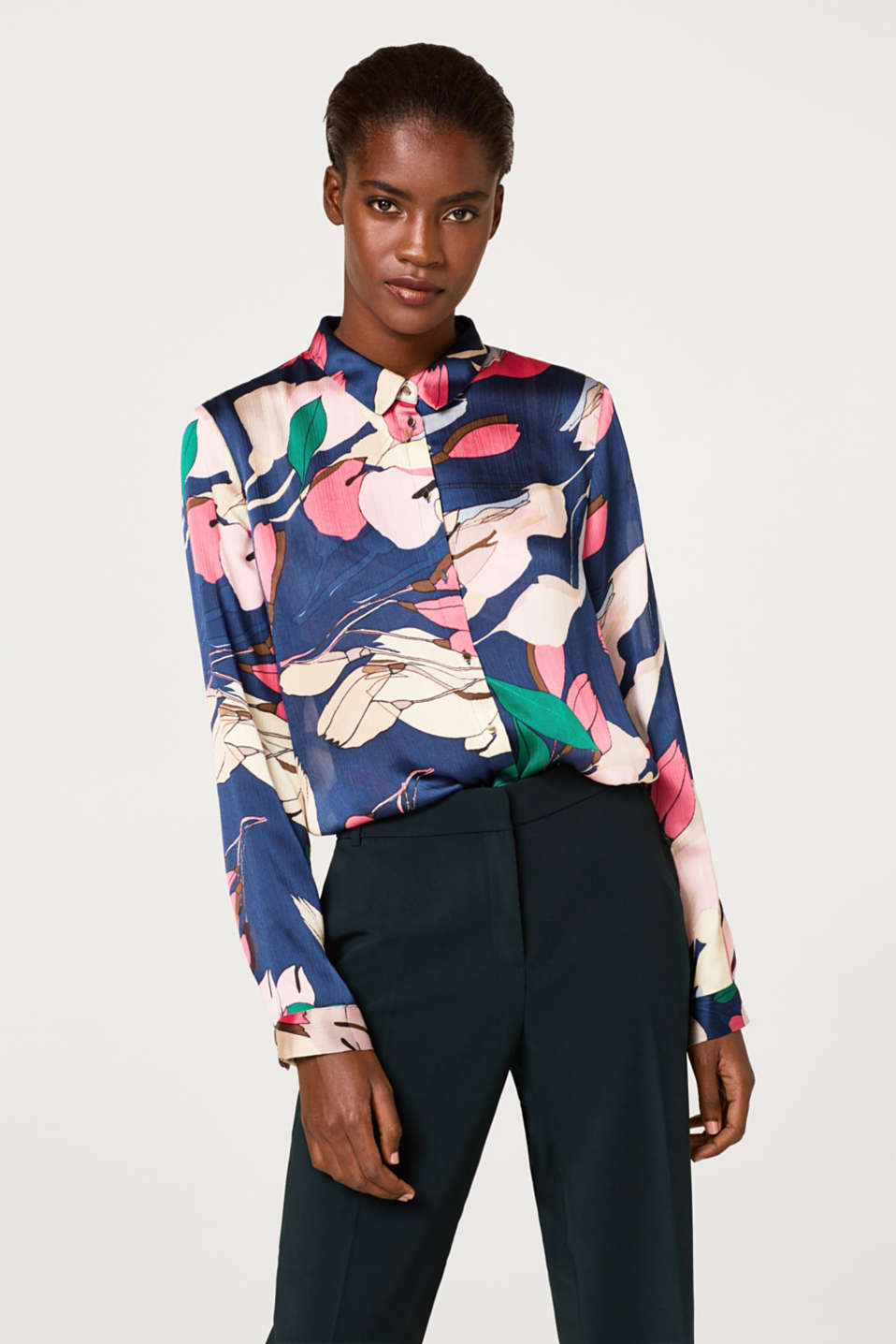 Esprit - Printed blouse in crushed satin