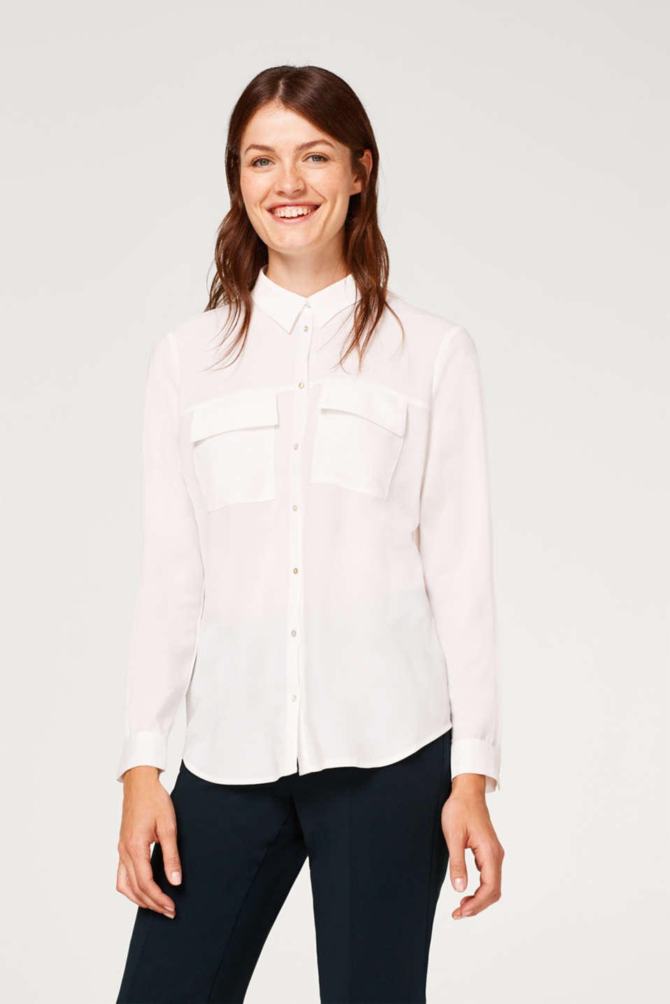 Esprit - Crêpe blouse with breast pockets