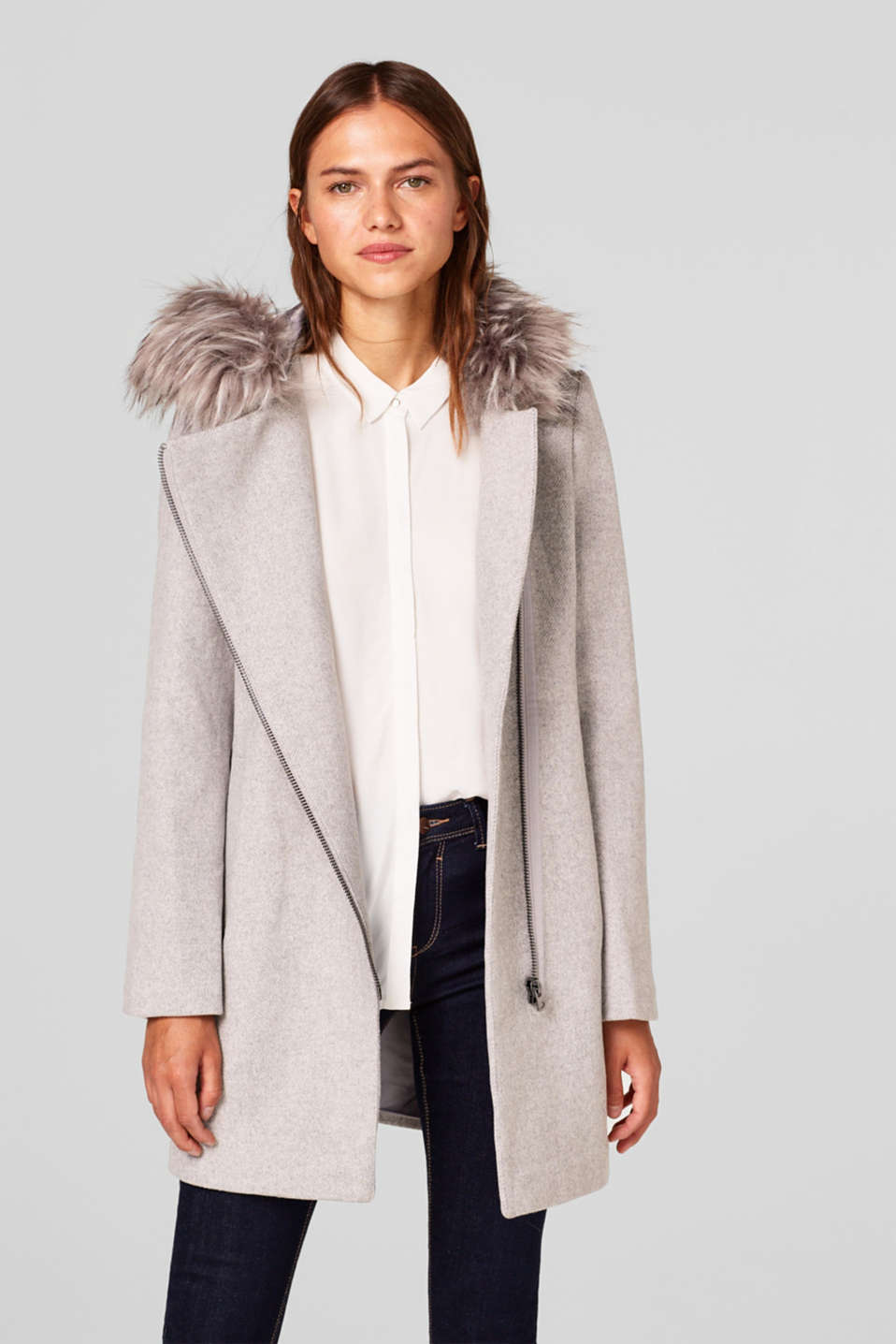 Esprit - With wool: coat with a zip and fur hood