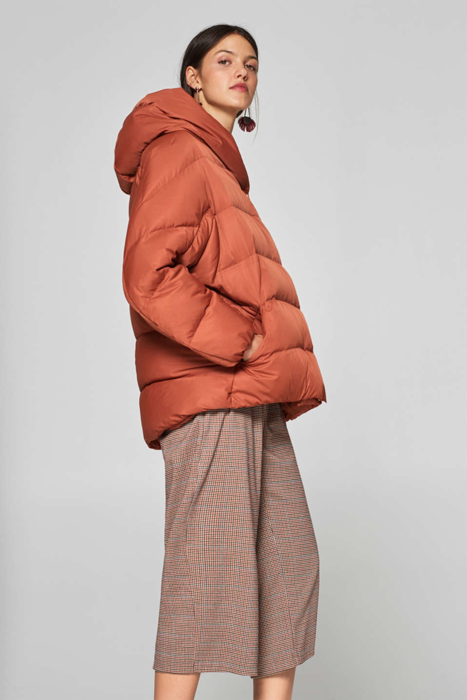 Esprit - Quilted jacket in an oversized boxy look