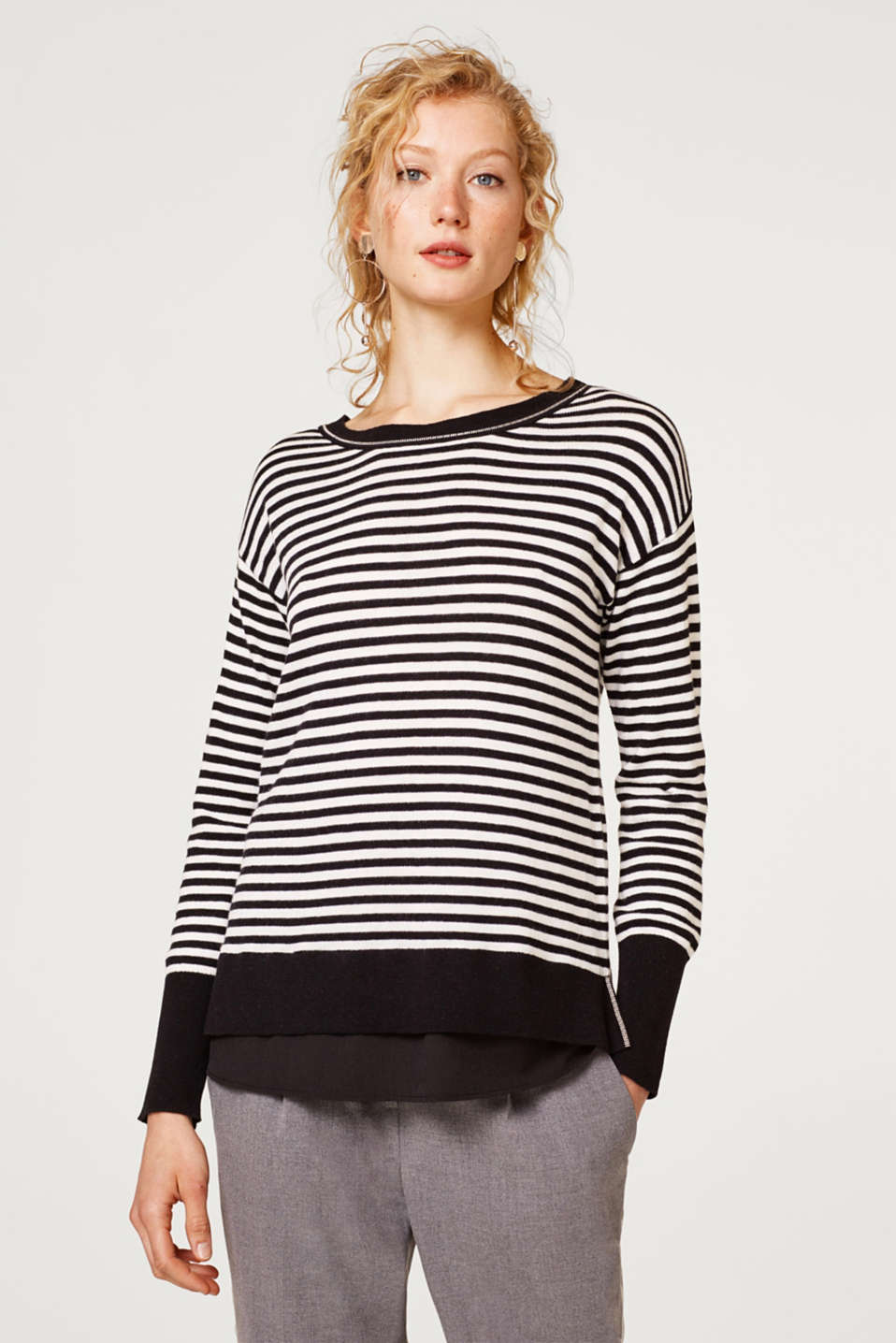 Esprit - With wool/cashmere: Jumper with chain details