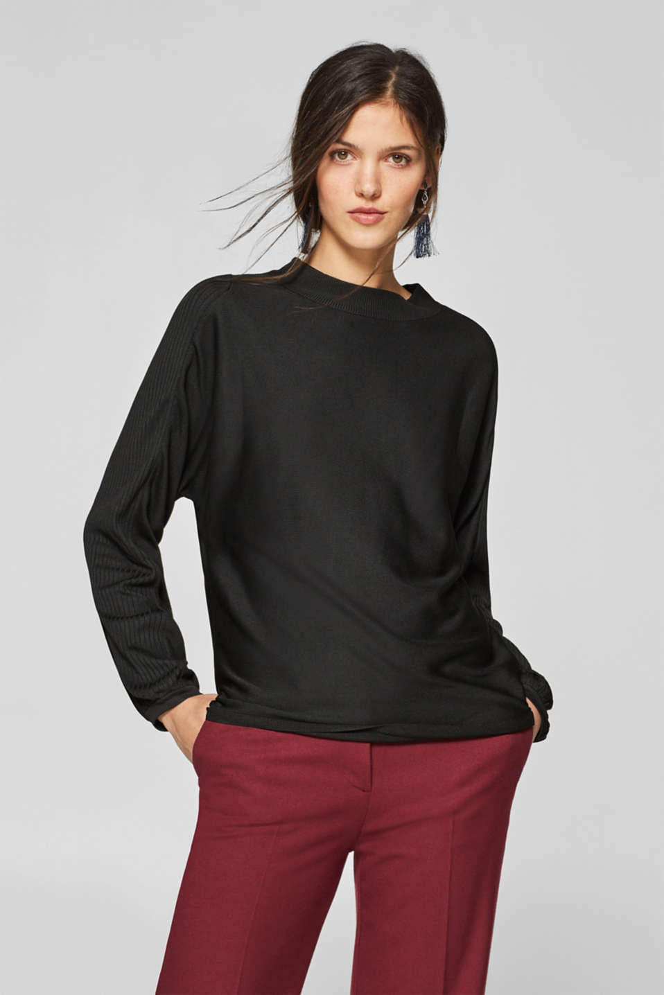 Esprit - Long-sleeved turtleneck with ribbed textures