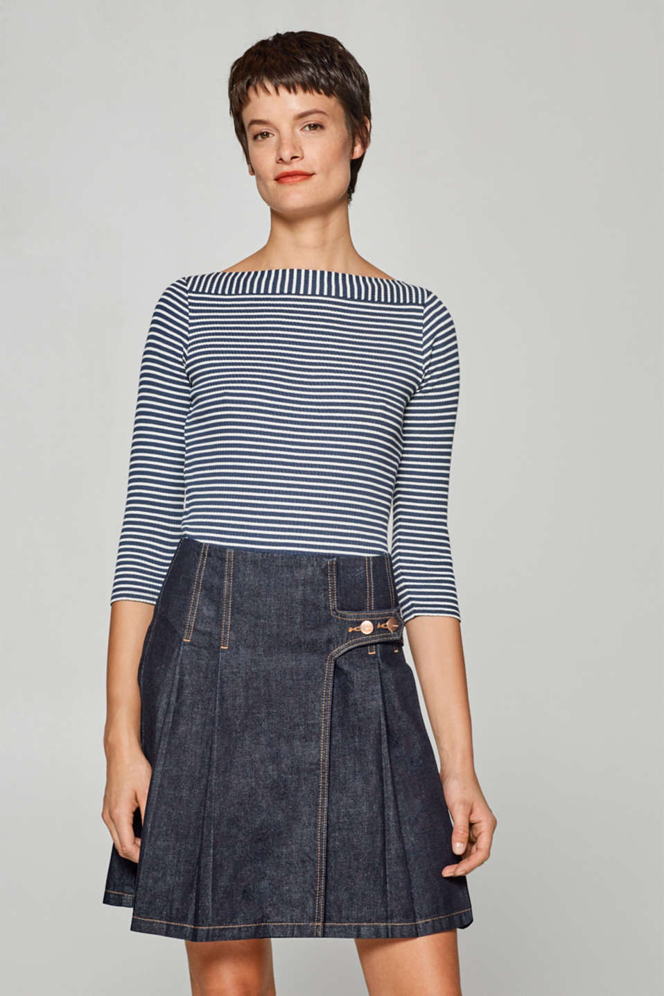 Esprit - Striped, ribbed top with a bateau neckline